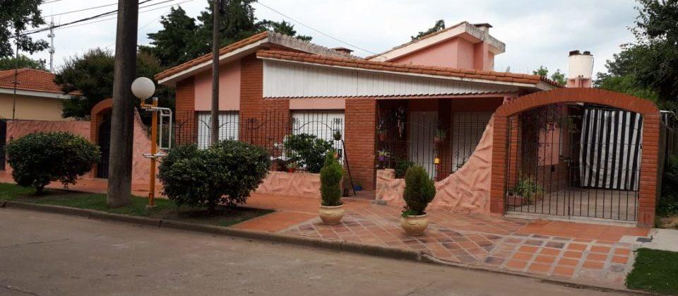 Sarmiento 233, Los Cardos